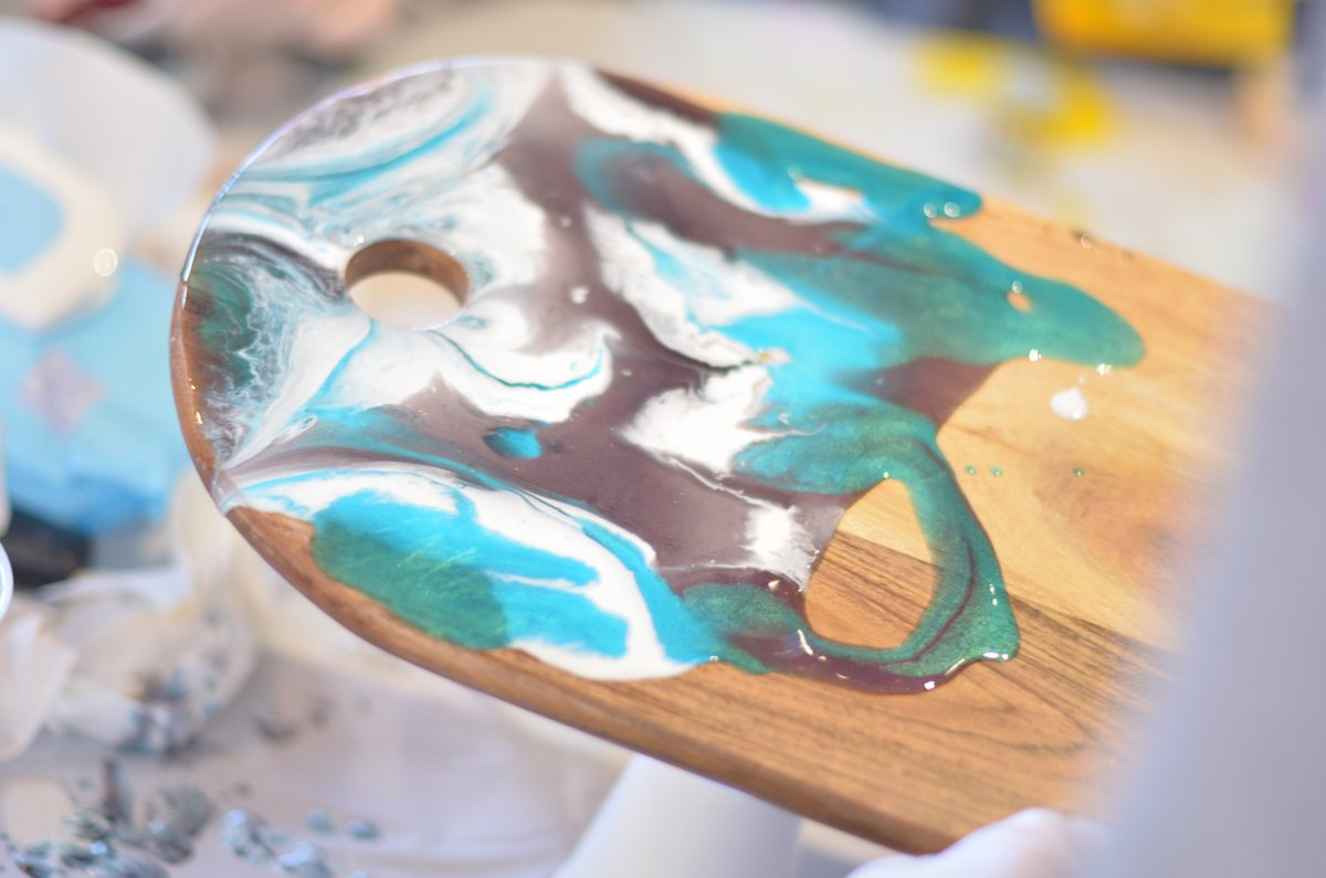 Luna & Co Designs Resin Serving board workshop at Alberts Line Gosford