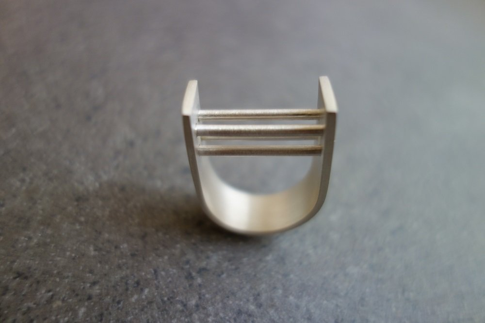 Image: Array Ring (Sterling silver). Courtesy Metalsphere.