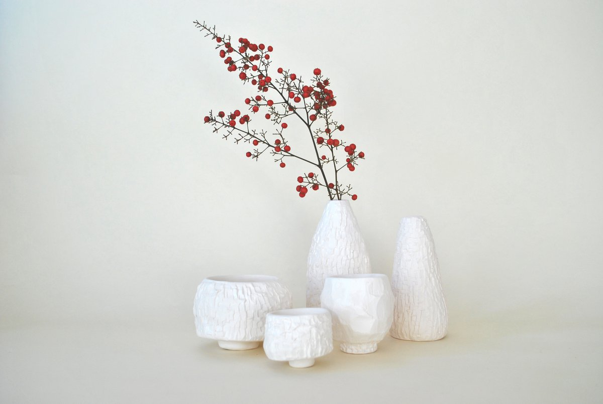 Zara Collins, Pared Porcelain Vessels, 2020