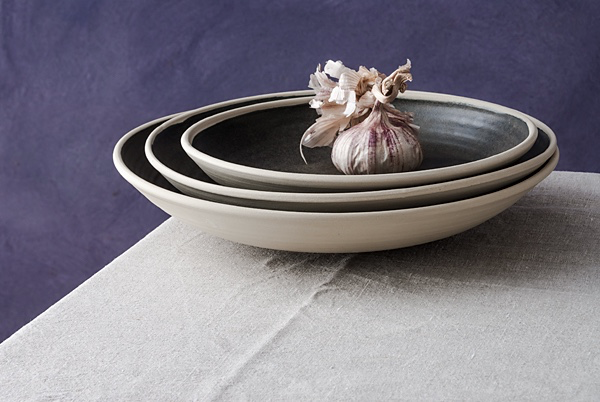 Image: Katharine Mahoney, Stoneware Dishes, 2017. Photo by Greg Piper. Courtesy Kerrie Lowe Gallery.
