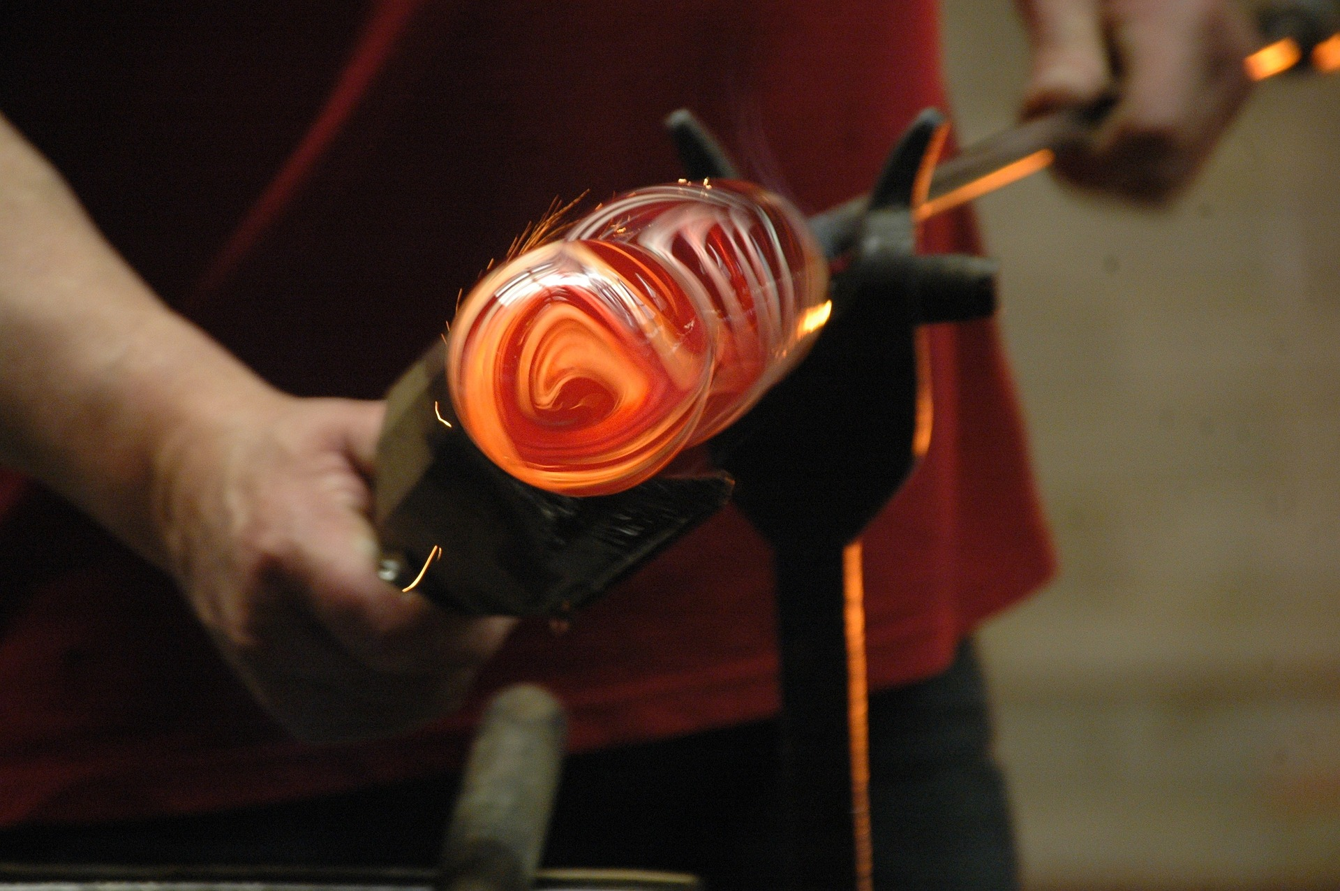 https://sydney-craft-week-prd.s3.amazonaws.com/media/uploads/images/glass-1246679_1920.jpg